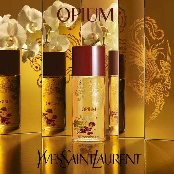 Opium d'YSL. parfum d'une femme qui contrôle son image sur toutes les faces.